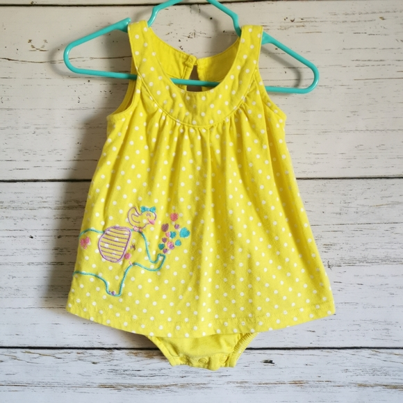 Bright and Summer-y sleeveless dress 6-12m